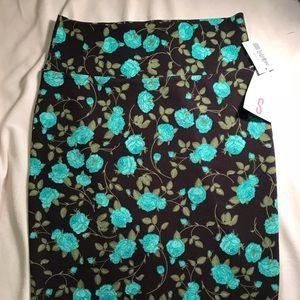 Small LuLaRoe Cassie Pencil Skirt